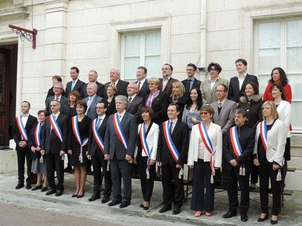 Photo de groupe du conseil municipal